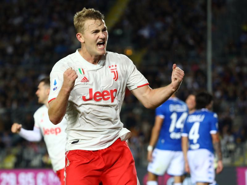 Matthijs de Ligt of Juventus FC celebrate a Brescia Calcio self-goal during the Serie A match between Brescia Calcio and Juventus at Stadio Mario Rigamonti on September 24, 2019 in Brescia, Italy. (Photo by Marco Luzzani/Getty Images)