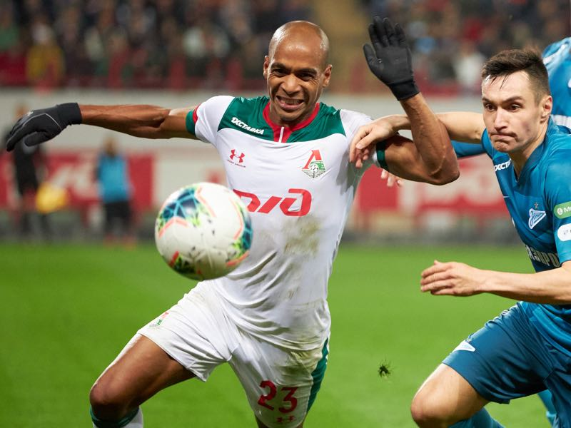 Joao Mario of FC Lokomotiv Moscow and Vyacheslav Karavaev of FC Zenit Saint Petersburg vie for the ball during the Russian Football League match between FC Lokomotiv Moscow and FFC Zenit Saint Petersburg at RZD Arena on September 28, 2019 in Moscow, Russia. (Photo by Epsilon/Getty Images)