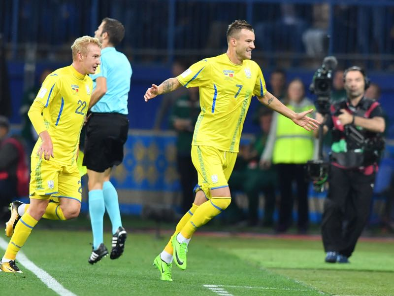 Ukraine's Andriy Yarmolenko celebrates after scoring a goal during the FIFA World Cup 2018 qualification football match between Ukraine and Turkey in Kharkiv on September 2, 2017. / AFP PHOTO / Sergei SUPINSKY