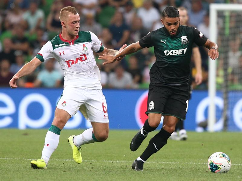 Wanderson (R) of FC Krasnodar vies for the ball with Dmitri Barinov of FC Lokomotiv Moscow during the Russian Premier League match between FC Krasnodar v FC Lokomotiv Moscow at Krasnodar Stadium on August 24, 2019 in Krasnodar, Russia. (Photo by Epsilon/Getty Images)
