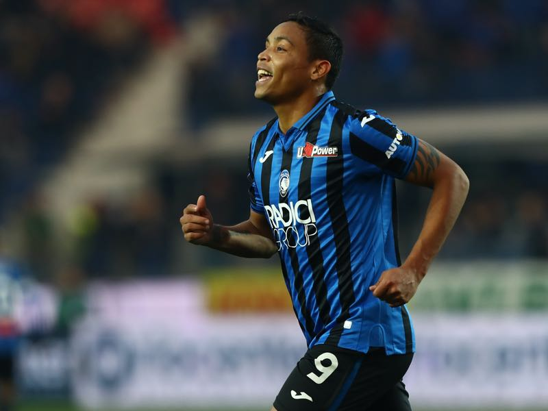 Luis Muriel of Atalanta BC celebrates his goal during the Serie A match between Atalanta BC and Hellas Verona at Gewiss Stadium on December 7, 2019 in Bergamo, Italy. (Photo by Marco Luzzani/Getty Images)