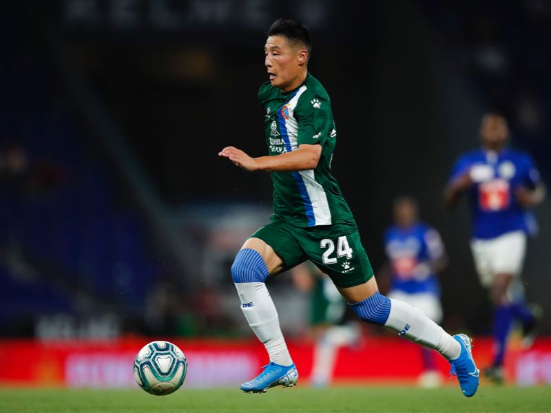 Espanyol vs Zorya Luhansk Wu Lei of RCD Espanyol runs with the ball during the UEFA Europa League Third Qualifying Round Second Leg match between RCD Espanyol and Luzern at RCDE Stadium on August 15, 2019 in Barcelona, Spain. (Photo by Eric Alonso/Getty Images)