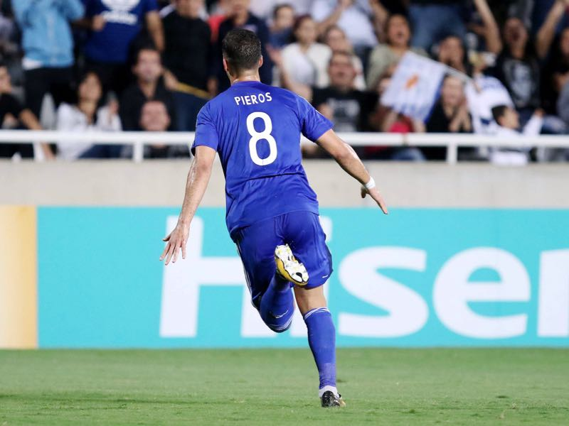 Cyprus' forward Pieros Sotiriou celebrates his goal during their World Cup 2018 qualifying Group H football match between Cyprus and Greece at the NEO GSP Stadium in Nicosia on October 7, 2017. / AFP PHOTO / SAKIS SAVVIDES