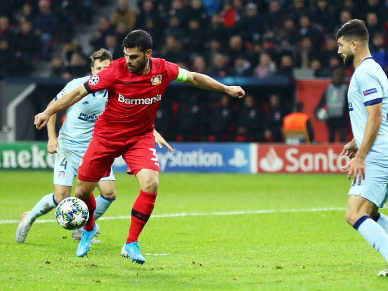 Kevin Volland of Bayer 04 Leverkusen scores his team's second goal during the UEFA Champions League group D match between Bayer Leverkusen and Atletico Madrid at BayArena on November 06, 2019 in Leverkusen, Germany. (Photo by Lars Baron/Bongarts/Getty Images)
